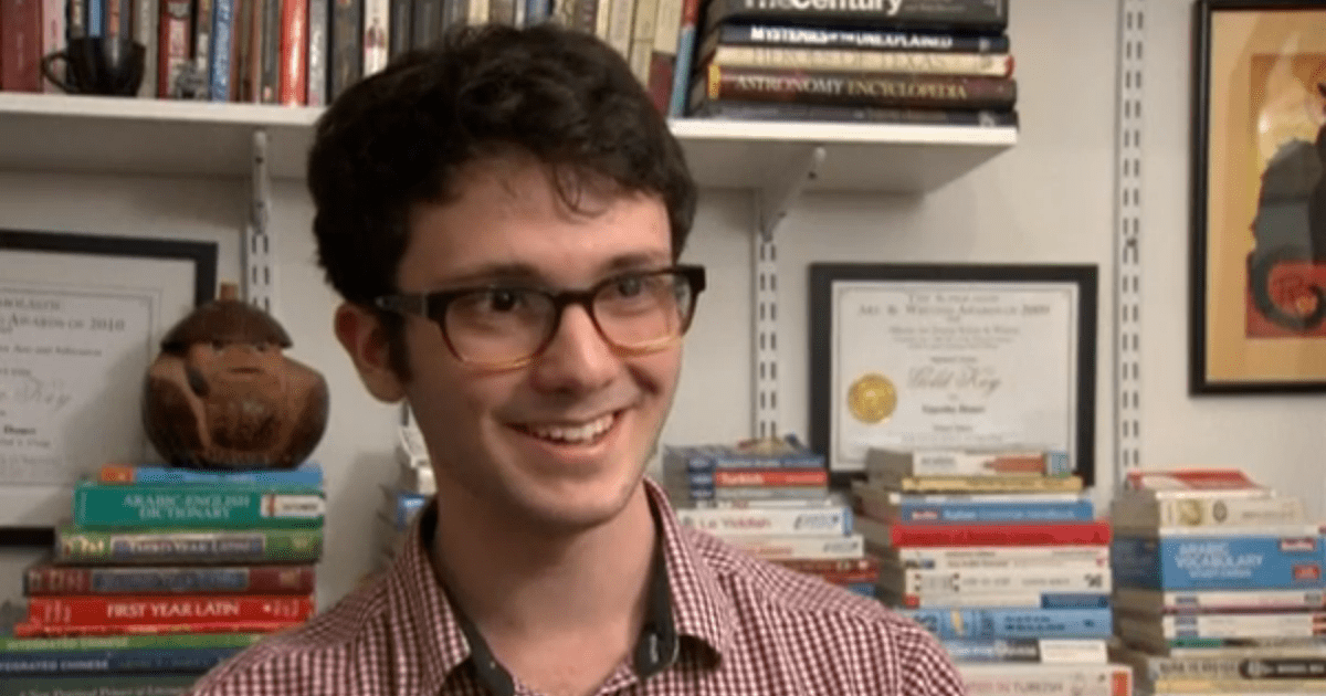 Teen polyglot speaks 20 foreign languages first among