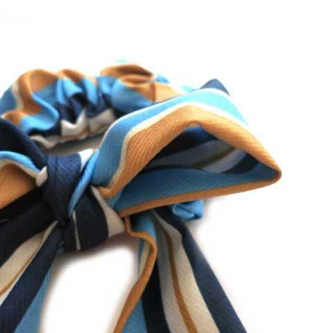 Scrunchie mit Schleife blau
