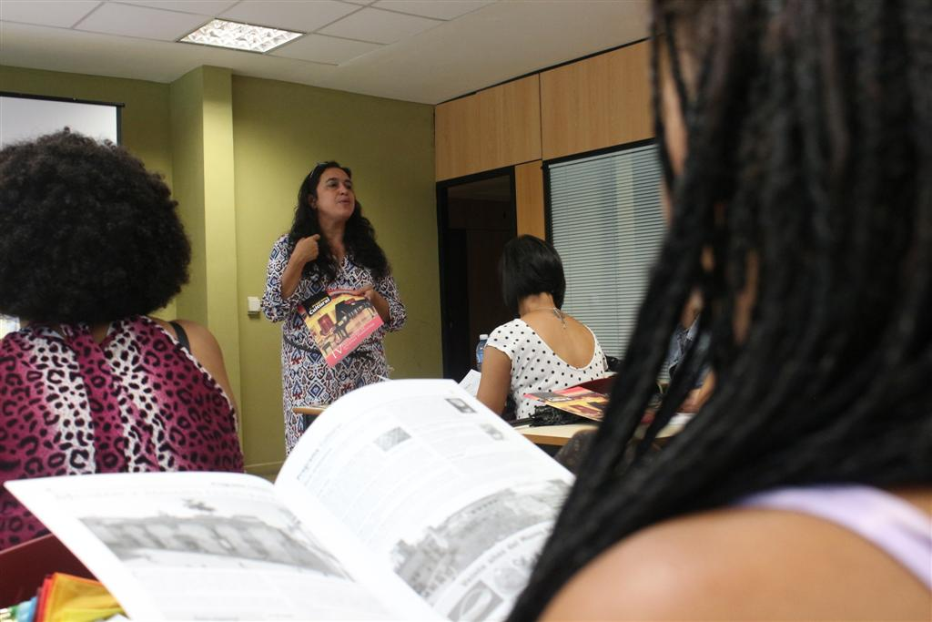 Katia Cárdenas, directora de Gestión Cultural, compartió la experiencia del Programa Cultural