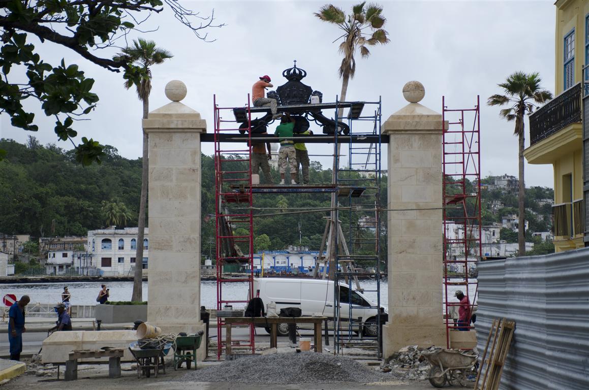 colocación del escudo del portón 3 (Medium)