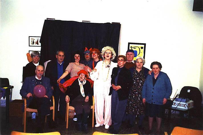 """""""Le nez rouge"""" corso con gli ospiti della casa di riposo Nissim a Marina di Pisa - marzo 2001"""