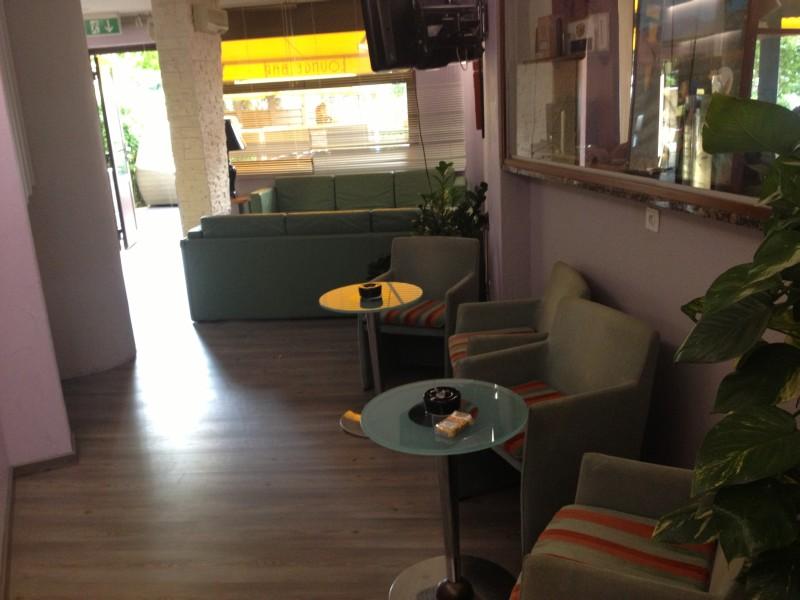 the living room with sky bar %e3%83%90%e3%82%a4%e3%83%88 l shaped sofa design for buy smoke habanos s a sitio oficial