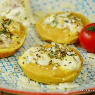 Mini Yorkshire Puddings mit Forellen-Käse-Creme