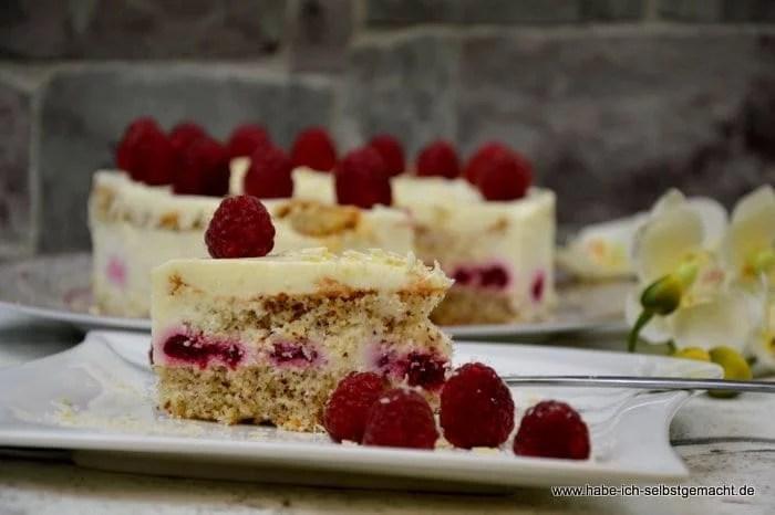 Weiße Schokoladenmousse Torte mit Himbeeren