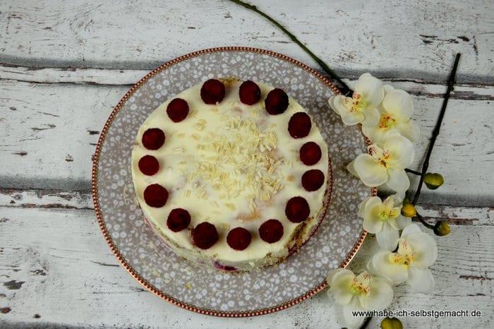 Weiße Schokomousse Himbeer Torte