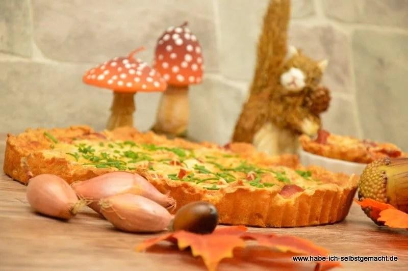 Wir starten ja langsam in den Herbst - und was passt da besser als eine Zwiebelkuchen Tarte?