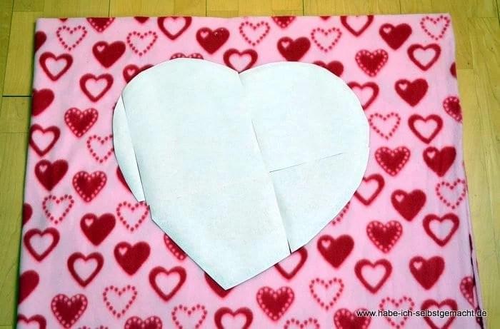 Herzform auf Stoff übertragen