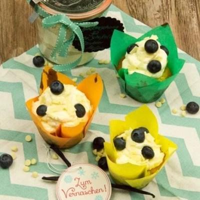 Weiße Schokoladen Blaubeer Cupcakes