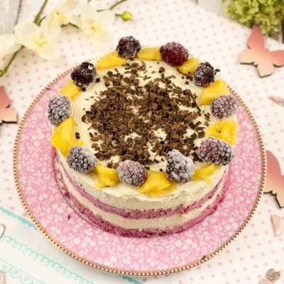 No Bake Mango-Beeren-Oblaten-Torte