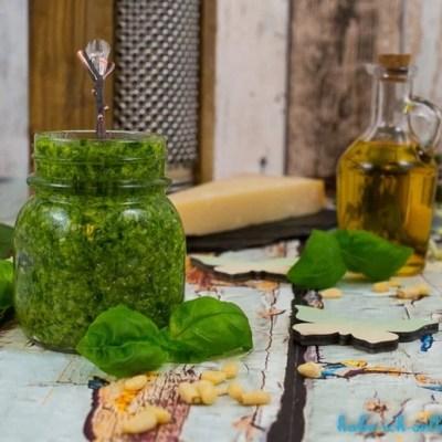 Pesto mit Basilikum-einfach&schnell selber machen