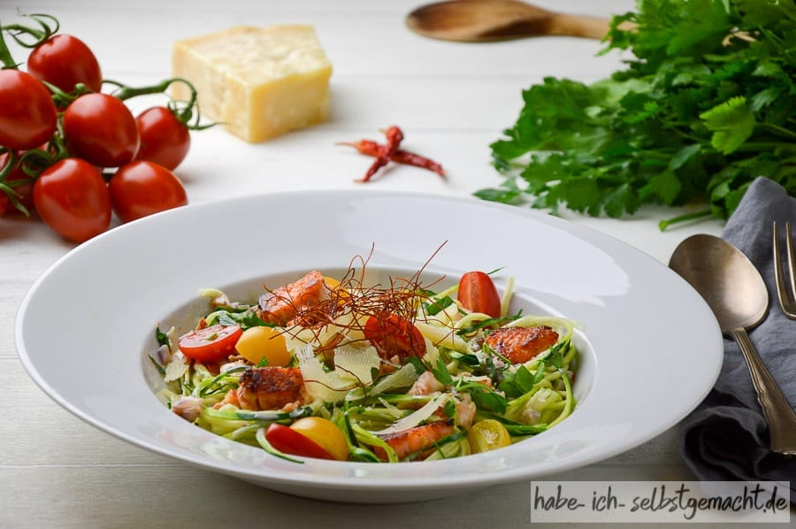 Zucchini spaghetti mit lachs rezept