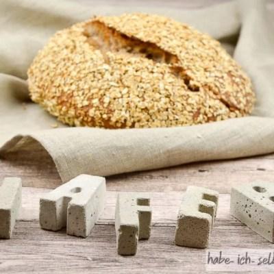 Hafer Brot mit Hafermehl und Haferflocken