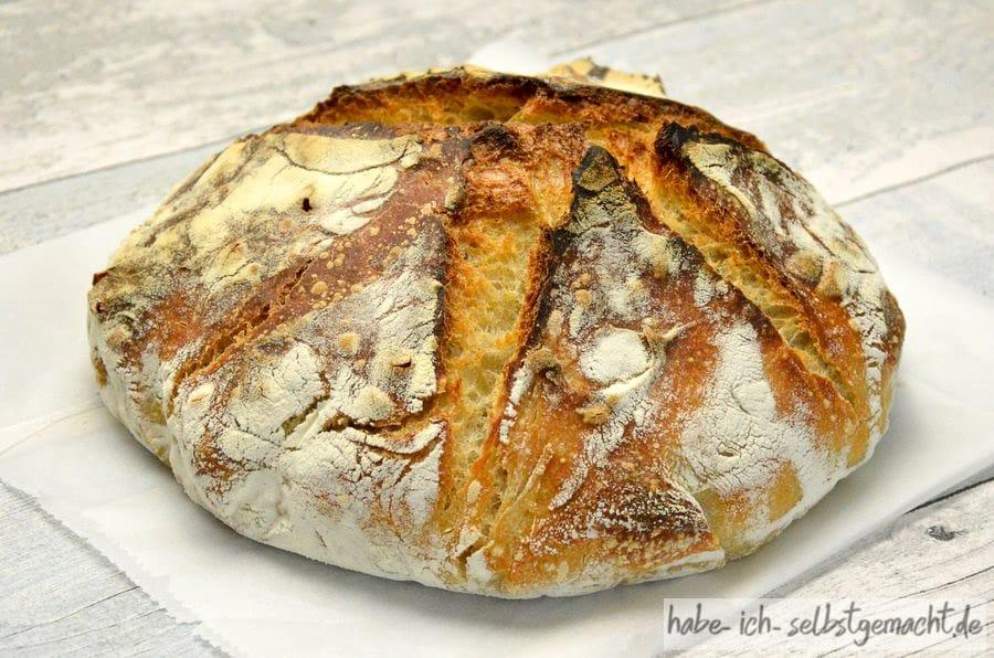 Doppelt gebackenes französisches Weizenbrot