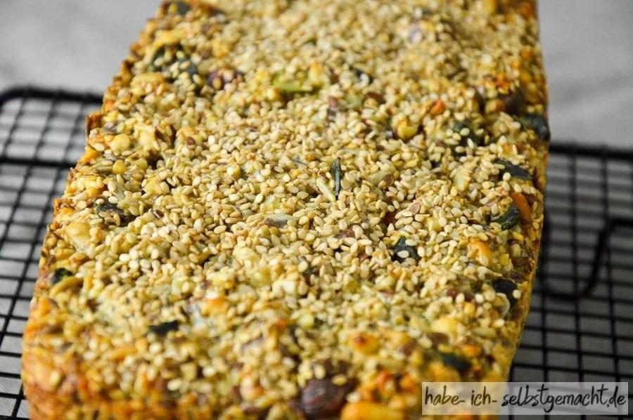 Viele knackige Nüsse, Körner und Samen