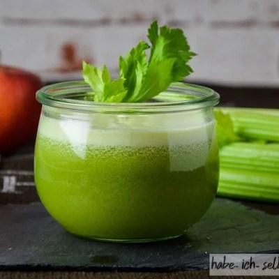 Locker-leichter Apfel Sellerie Gurken Saft