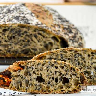 Brot #42 – Sauerteigbrot mit schwarzem Sesam (schwarzes Sesambrot)