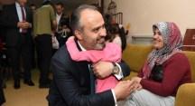 Spastik çocuklara Başkan Aktaş morali
