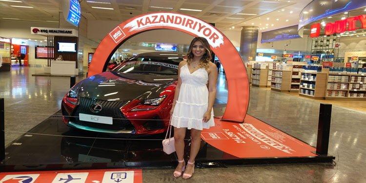 89 Avro'ya parfüm aldı 1 milyon 210 bin liralık araba kazandı
