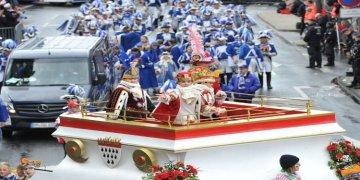 Almanya'da '5.Mevsim' karnaval geçidi