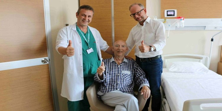 Alman siyasetçi Türk doktorlarla sağlığına kavuştu