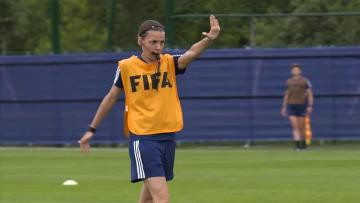 UEFA Süper Kupa finalini kadın hakem yönetecek