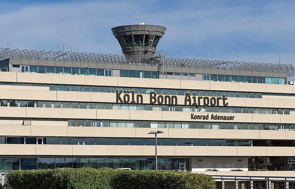 Almanya'da, Köln – Bonn Havaalanı'na şok baskın!