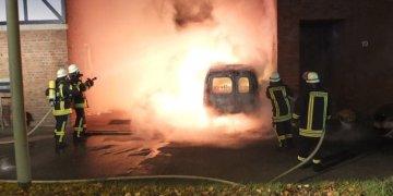 Elekrikli araç şarj halindeyken yandı