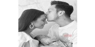 Mesut kızının fotoğrafını ilk kez paylaştı