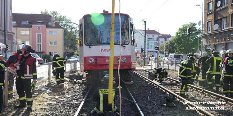 16 yaşındaki çocuk tramvay altında kalarak can verdi