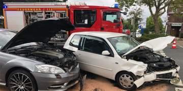 Kavşakta kaza : 6 yaralı
