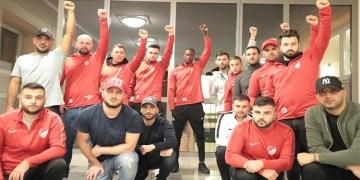 2 bin futbolcuya ırkçı saldırı