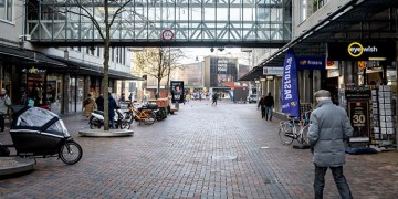 Hollanda'da mahkeme sokağa çıkma kısıtlamasının kaldırılmasına karar verdi