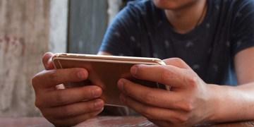 100 kişiden 42'si günde en az bir defa mobil oyun oynuyor