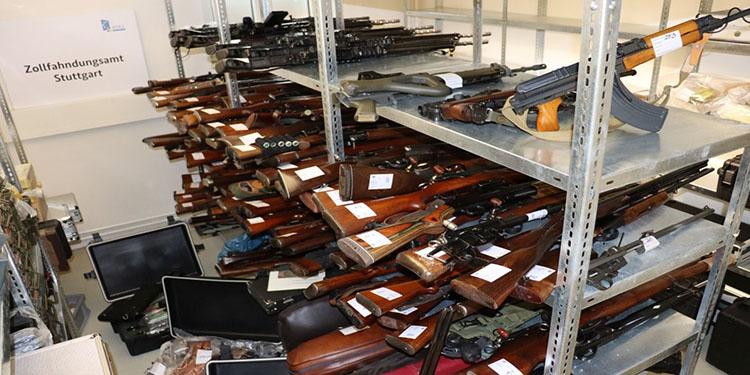 Emekli Alman'ın evinden 270 silah ve 8 bin mühimmat çıktı