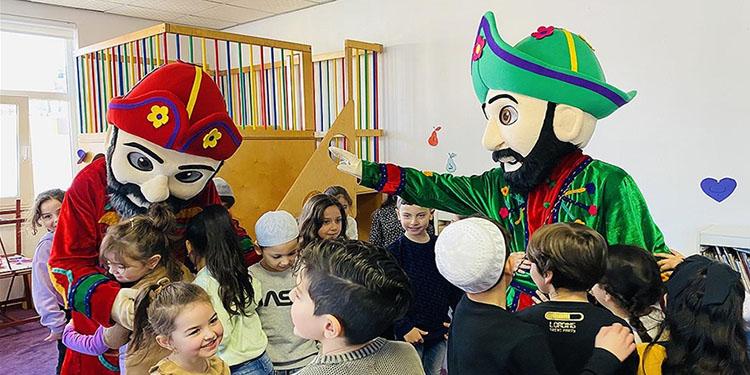 Hollanda'da çocuklar için Hacivat ve Karagöz yaşatılıyor
