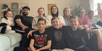 Almanya'da yaşayan altız annesi Roksana Temiz, Müslüman olma sürecini anlattı: Mutluluktan kendimi kuş gibi hissettim