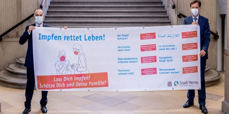 Konsolostan çok dilli aşı kampanyasına destek
