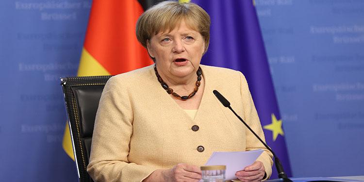 """Avrupalılar olası """"Avrupa Başkanı"""" seçiminde Macron'u değil Merkel'i tercih ediyor"""