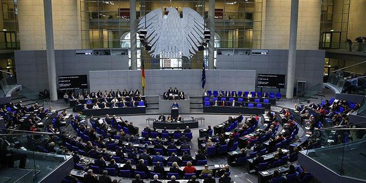 Almanya'da Federal Meclis'e seçilen göçmen kökenli milletvekillerinin sayısı arttı