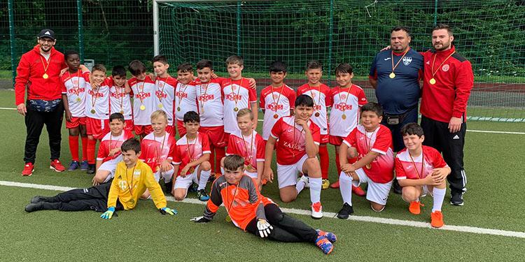 Eving Selimiyespor'da 270 çocuk futbol oynuyor