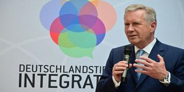 """Eski Almanya Cumhurbaşkanı Wulff: """"Göçmen çocukları sporda, kültürde, bilimde, ekonomide harikalar yaratıyor"""""""