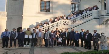 Almanya'da 74 fahri Kur'an kursu öğreticisine yeterlilik belgesi verildi