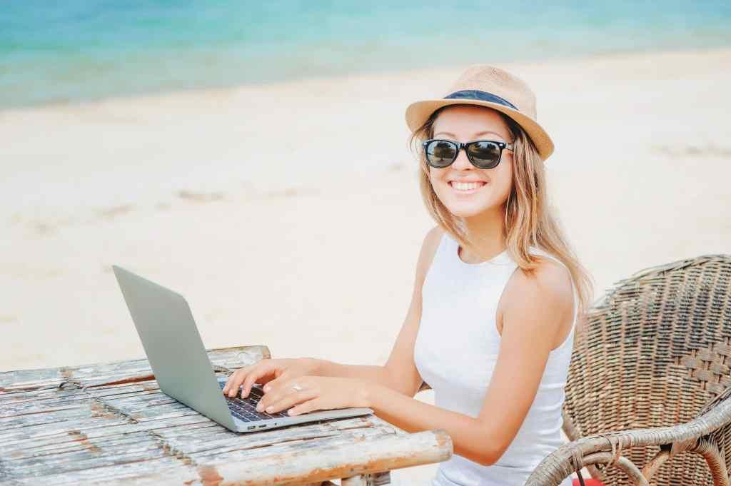 women working on side hustle