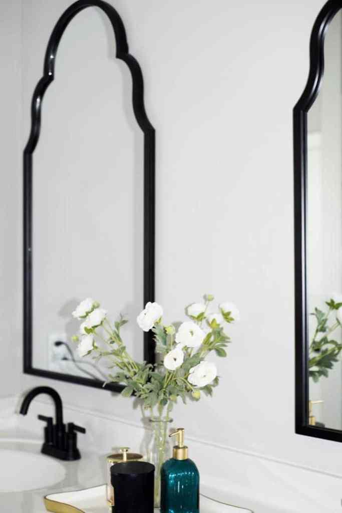remove-glued-bathroom-mirror