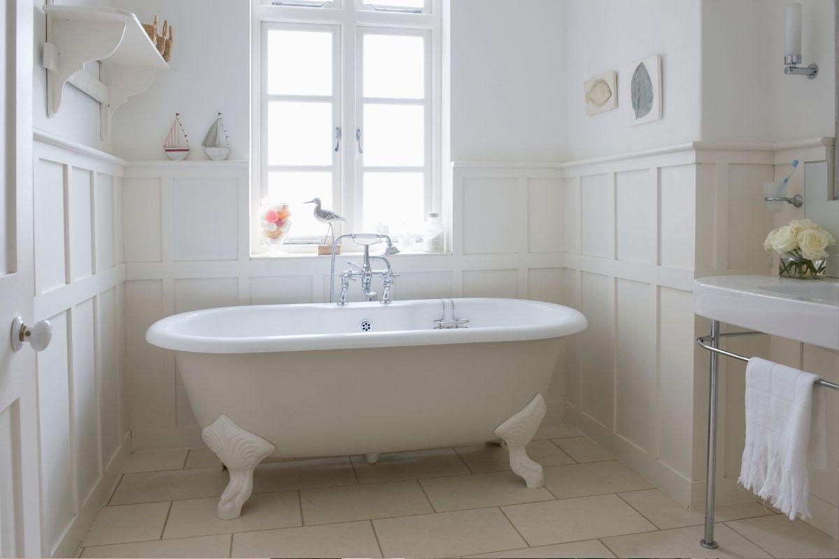 È resistente alle alte temperature, all'acqua e alla pulizia. Interior Design La Stanza Da Bagno In Stile Inglese
