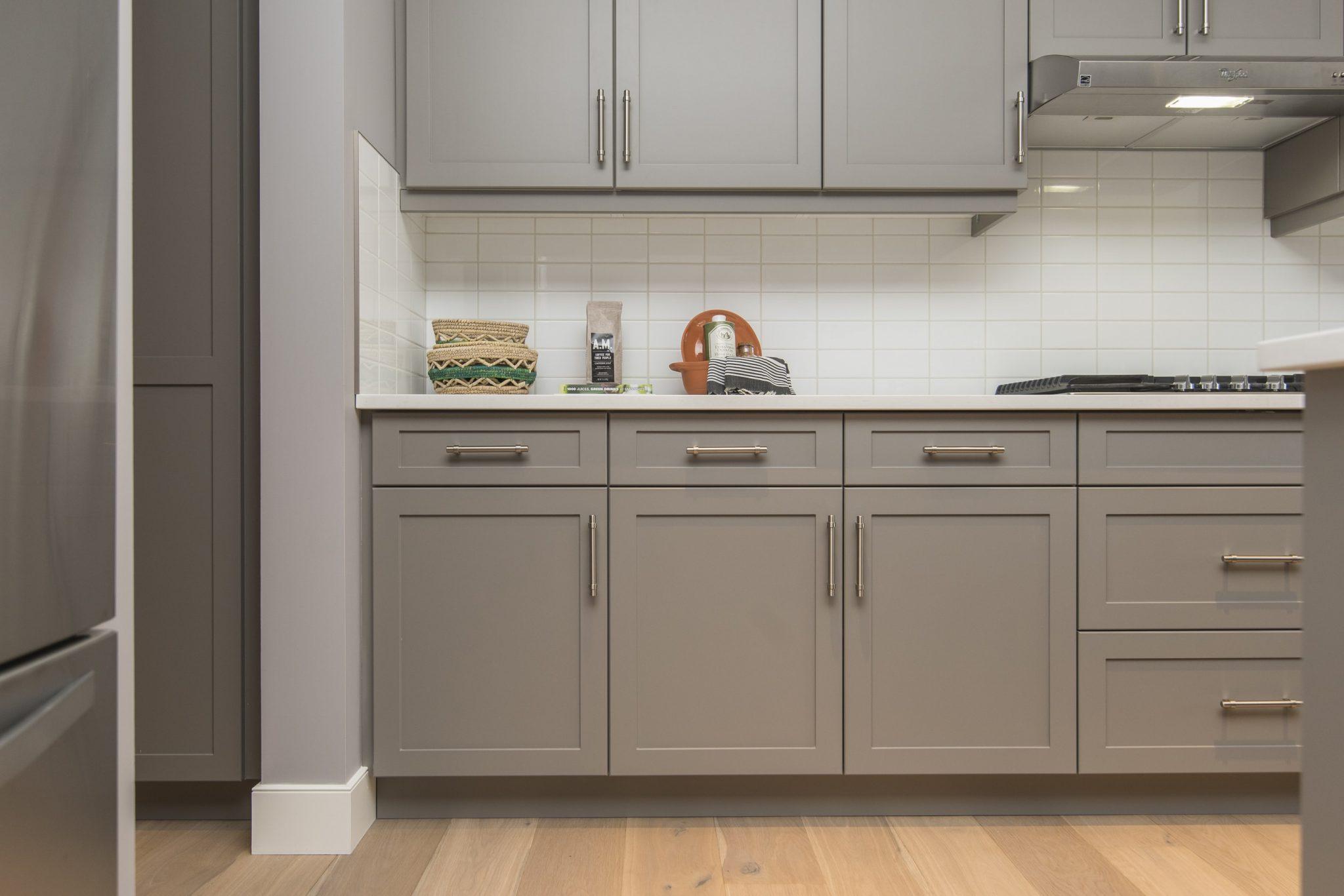2019 Trends In Two Tone Kitchen Design Habitar Interior Design