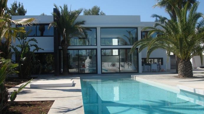 Venta Villa minimalista 5 dormitorios 5 baos piscina