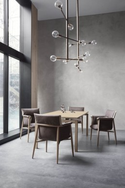 EOOS_E005_oak_fabric_Straight table