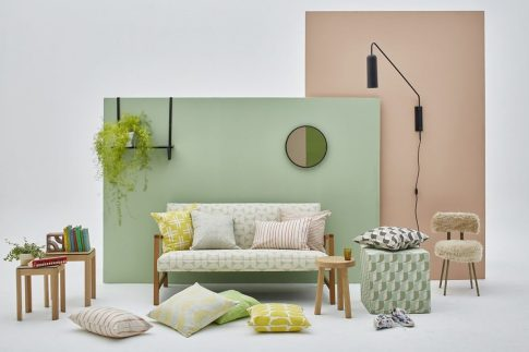 Skinny laMinx Lookbook - Saks sofa
