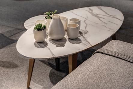 Mineral trend': Coffee table – Calacatta Silk, 12mm